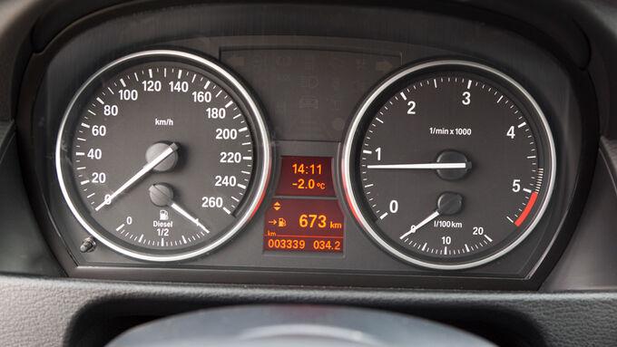 BMW X1 s-Drive 20d, Rundinstrumente, Tacho