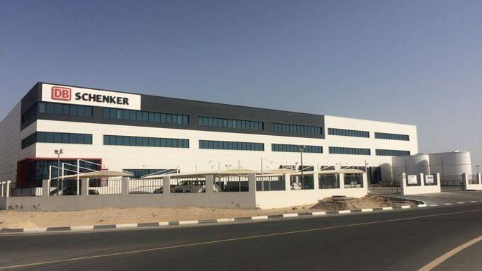 DB Schenker eröffnet erstes eigenes Logistikzentrum im Mittleren Osten