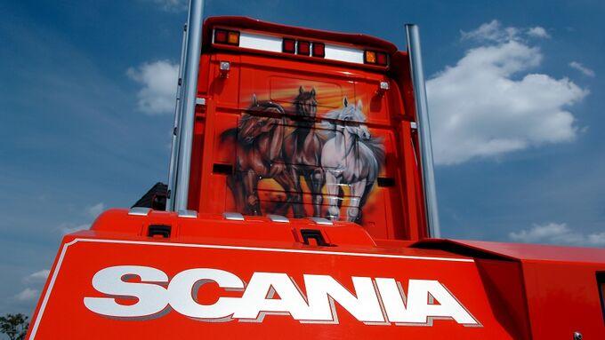 FERNFAHRER Supertrucks Spezial 2011, Scania Sammlung Verbeek - Fuhrpark Orange