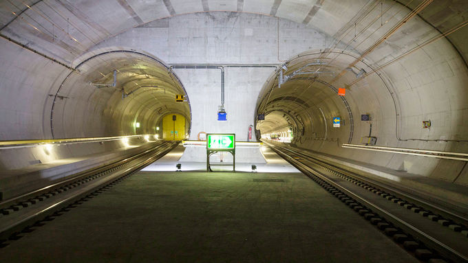 Gotthard-Basistunnel – Güterzüge
