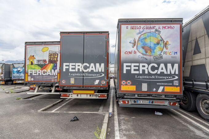 Fercam Trucks mit Kinderzeichnungen