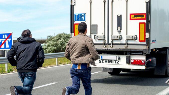 Flüchtlinge, Calais, Kontrollen, Italien, Österreich, Juli 2015